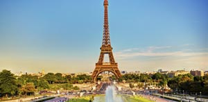 Se Eiffeltårnet på reise til Paris